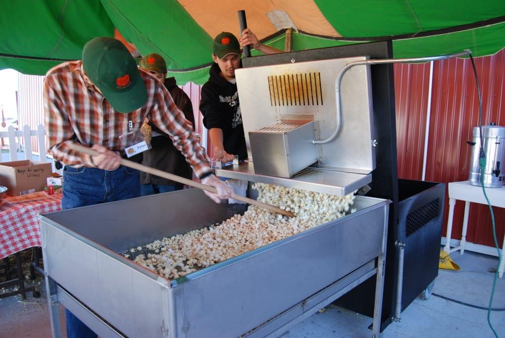 Making kettle corn